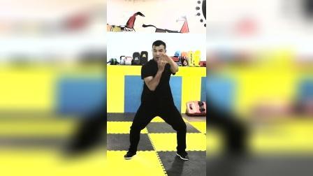 今天费大家解答一下太极拳的几种练法,练功的、练养的、应用的