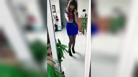 晚上好,亲们蓝色裙子好看吗?
