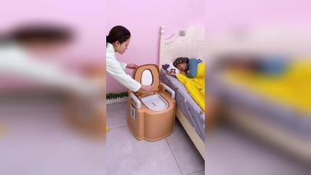 爸妈年纪大了,上厕所不方便,买的这个移动马桶就非常方便