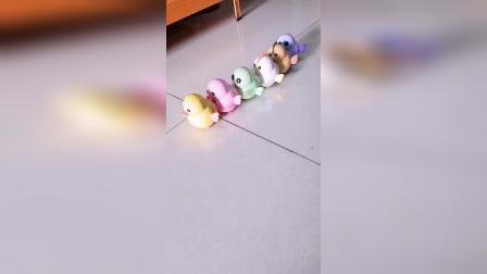 孩子看了一上午,磁力摇摆小鸡太萌趣了
