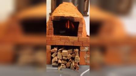 迷你厨房:老旧的烤炉烤出来的Pasa披萨更香呢