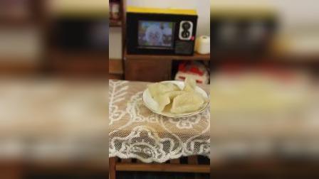迷你厨房:一边包饺子,一边看电视才是做饭正确打开方式