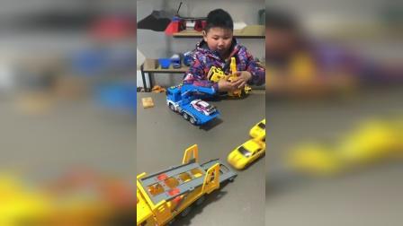 货车怎么可以装进两台小汽车