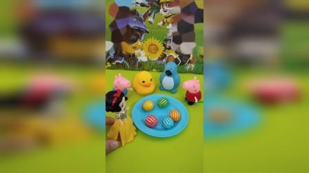 白雪公主奖励佩奇一个西瓜泡泡糖
