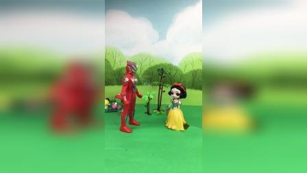奥特曼和葫芦娃,一起去找怪兽,救出佩奇一家