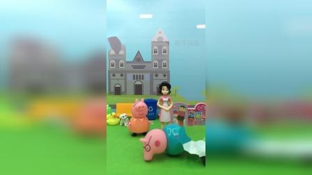 猪爸爸滑板车表演失败了,猪妈妈嫌弃猪爸爸