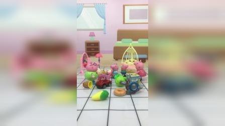 佩奇需要一个玩具柜,猪爸爸想做一个,可是大家不相信他的手艺