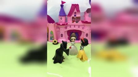 白雪贝尔帮助了女巫,女巫要帮她们实现愿望