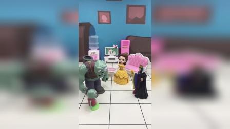 王后帮忙照顾小僵尸,王后会好好对小僵尸吗?