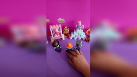 少儿玩具:僵尸大战蝎子精;哈哈