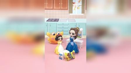 亲子玩具:白雪不在家,贝尔哄小白雪