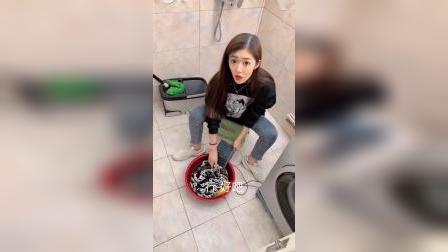 老婆用键盘洗衣服,用平板切菜,没想到最后这套路够深的!
