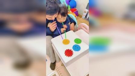 2个用剪纸就能做的桌面玩具,全家可以参与