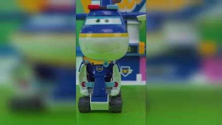 超级飞侠庞机长巡逻机组合变形玩具