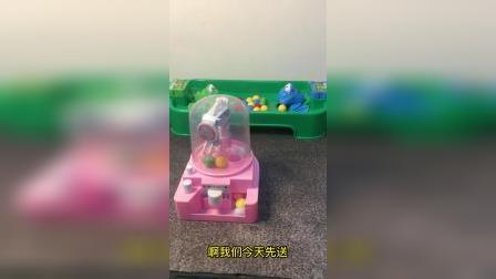 搞笑玩具:互动玩具娃娃机