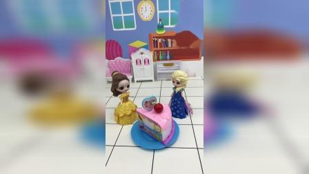 贝儿把自己高跟鞋借给爱莎去参加舞会,爱莎带蛋糕来感谢贝儿了!
