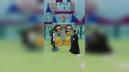 僵尸来童话王国了,王子让白雪贝尔躲起来