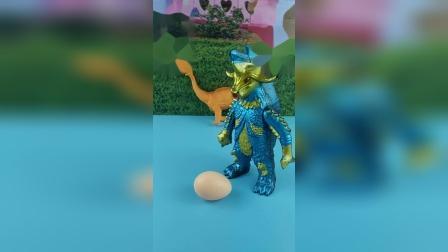 恐龙妈妈睡着了,怪兽蝎子精他们看见恐龙妈妈赶紧走远