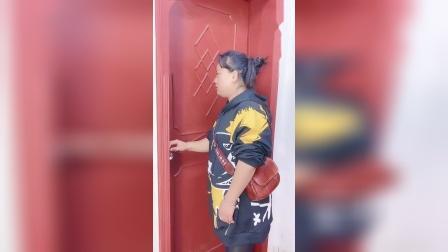 下班回家老公居然把门反锁了!