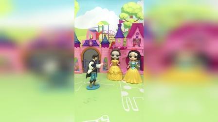 王子只看到黄色裙子的公主救了自己,到底是谁呢