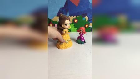贝儿喜欢美人鱼宝宝吗?