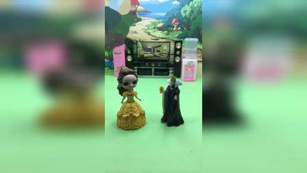 贝儿让王后给白雪买新裙子,王后答应了!