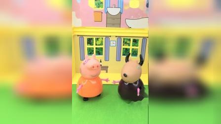 猪妈妈和羚羊老师一起交流,乔治在学校的表现
