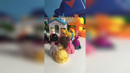 巫婆告诉公主们明天是圣诞化妆舞会