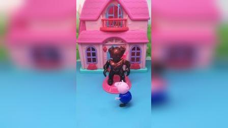 乔治有时空穿梭机,熊二想只知道以前的样子,熊二以前的样子更恐怖!