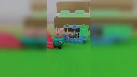 猪爸爸给乔治讲故事听,乔治嫌不好听