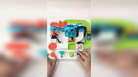 汽车闯关恐龙大冒险玩具,儿童趣味玩具
