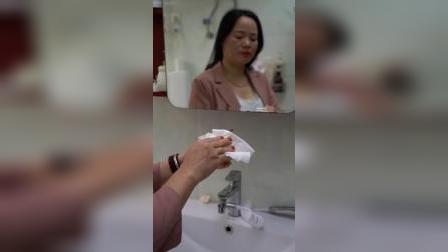大人小孩都可以用的湿纸巾,生活中随时都可用,擦得干净太好用