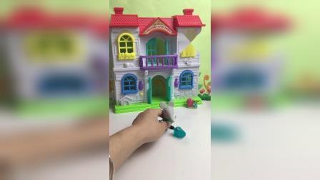 小象偷吃了佩奇的糖果