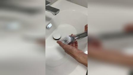 这个刷子你肯定没有用过,刷水池水槽简直不要太方便