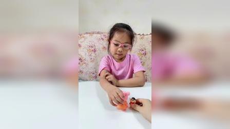 童年趣事:猪妈妈你抱抱蜡笔小新