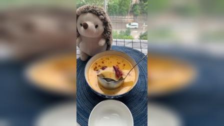 这个漏勺能轻松过滤掉汤上多余浮油,喜欢吗