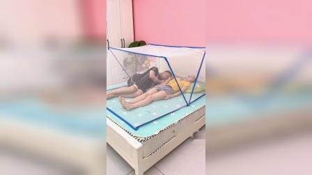这个折叠蚊帐架,用起来特别方便