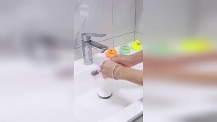 硅胶搓澡神器,软软的刷头搓澡不伤皮肤