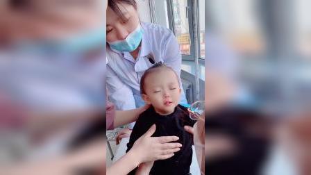 童年趣事:这孩子睡的大夫都服了