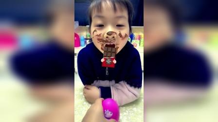 少儿益智:妹妹吃巧克力,脸都花了