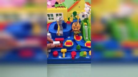 少儿玩具:咦,小汽车都跑哪去了
