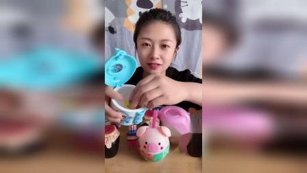糖果小屋:小电饭锅里有什么呢