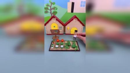 精彩玩具小故事-光头强的西瓜地