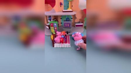 小猪佩奇跟猪爸爸的玩具小故事