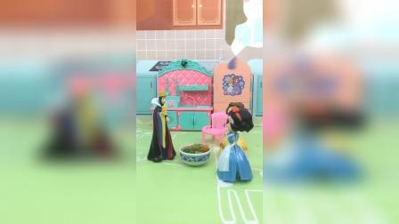 少儿亲子玩具:母后怎么没给白雪做饭