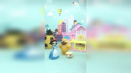 智趣玩具故事:白雪弄坏了熊二的帽子糖