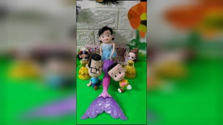 儿童玩具:围裙妈妈变成公主后