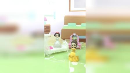 少儿亲子玩具:贝儿去哄孩子睡觉
