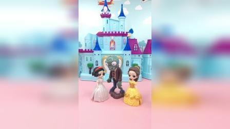 亲子玩具:僵尸要把白雪带回僵尸王国