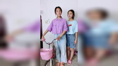 姐姐送给三宝一辆自行车,有姐姐真好